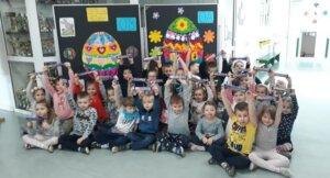 Wielkanocne pisanki w wykonaniu grupy 0A I 0B