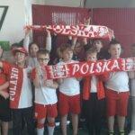 Biało- czerwona kl.3c kibicuje polskiej reprezentacji.