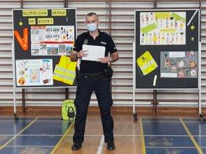 Read more about the article Bezpieczna droga do szkoły – spotkanie z policjantami